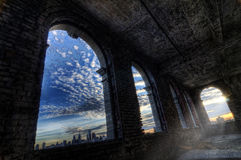 Fönstersikt av staden Royaltyfri Foto