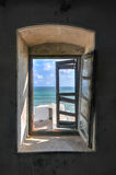 Fönstersikt från uddekustslotten, Ghana Arkivbilder