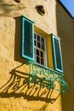 Fönstret med stänger med fönsterluckor Royaltyfria Bilder