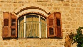 Fönster i Jaffa Arkivfoton