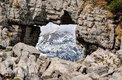 Fönstret vaggar i bergen Royaltyfri Fotografi