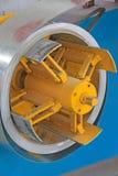 Förädlat stålsätta remsan på produktionen fodrar Arkivbild