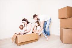 Förälderleken med barn arkivbilder