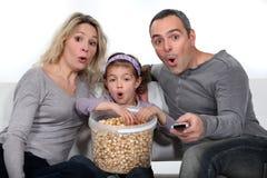 Föräldrar med dottern royaltyfri fotografi