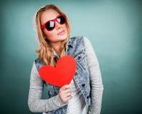 Förälskad skraj flicka Arkivbild