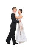 Förälskade Ballrom danspar, innehavhänder som isoleras på vit bachground arkivbilder