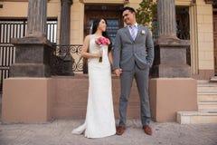 Förälskade nygift person royaltyfri fotografi