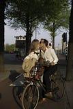 Förälskelse är i luften i Amsterdam, Nederländerna Royaltyfria Bilder