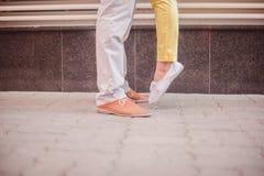 Förälskelse och foots av gatan Royaltyfri Fotografi