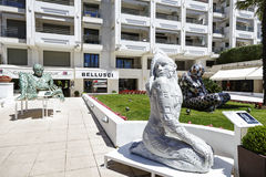 Förälskelse skulptur, utläggning i Cannes Royaltyfria Foton