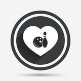 Förälskelse som bowlar den modiga symbolen Boll med stiftkäglan Arkivfoton