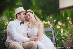 Förälskelse som gifta sig par Arkivfoton