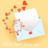 Förälskelsebokstav med kuvertet och hjärtor Arkivfoto