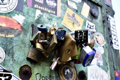 Förälskelsehänglås - London Arkivbild