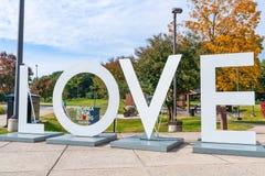 FÖRÄLSKELSEskulptur på Virginia Welcome Center royaltyfria foton