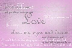 Förälskelsetextkort på rosa grungebakgrund Royaltyfri Fotografi