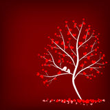 Förälskelseträd på röd bakgrund Arkivfoto