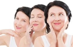 För ålderkvinna för skönhet mellersta stående för framsida för collage Spa och anti-åldras begrepp som isoleras på vit bakgrund m arkivbilder