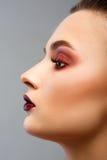 för århundradestående för 20 skönhet kvinna för granskning s retrospektiv xx Yrkesmässig makeup för brunett royaltyfria foton