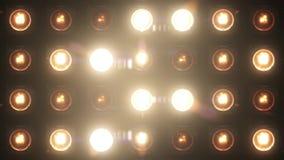 För öglasglöd för blinkande ljus VJ etapp för lamm arkivfilmer