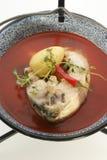 för örtpotatis för fisk ny soup Arkivfoton