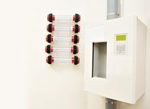 För överföringssystem för pneumatiskt rör en station royaltyfri fotografi
