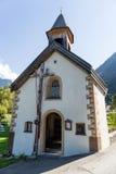För Achstà för landskapskyddsområde rze ¼ Blasius kapell i Oetz-Piburg, fjällängar i bakgrund Tirol äldst natursylter Royaltyfri Fotografi