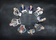 För affärsfolk för flyg- sikt begrepp för teamwork för cirkel för gemenskap Royaltyfri Bild