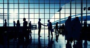 För affärslopp för internationell flygplats begrepp för terminal för flygplats Royaltyfria Bilder