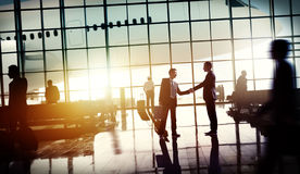För affärslopp för internationell flygplats begrepp för terminal för flygplats royaltyfria foton