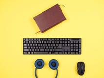 För affärsman för bästa sikt bild för begrepp på det gula skrivbordet Arkivfoton