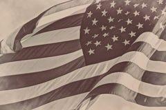 För amerikansk patriotisk bakgrund för tappning flaggasepia för USA retro Royaltyfri Foto