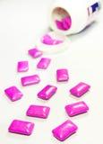 för anstrykninggummi för tugga färgrikt hallon för menthol arkivbilder