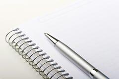 för anteckningsbokpapper för limbindning elegant stil för ark för penna Royaltyfri Fotografi