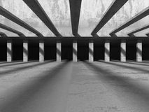 För arkitekturkonstruktion för mörker konkret bakgrund för abstrakt begrepp Arkivfoton