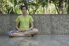För avkopplingmeditation för Mindfulness fritt begrepp för buddhism arkivfoto