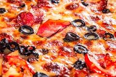 för banapeperoni för clipping bild isolerad pizza royaltyfri foto