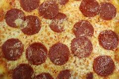 för banapeperoni för clipping bild isolerad pizza italiensk pizza för kökpeperoni för bakgrund italiensk white för pizza Läcker p Royaltyfri Foto
