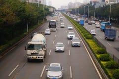 För Baoan Shenzhen 107 för nationell huvudväg landskap för trafik avsnitt Royaltyfri Fotografi