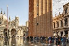 För basilikan och St Mark för St Mark ` s ` s kvadrerar i Venedig, Italien, 2016 Fotografering för Bildbyråer