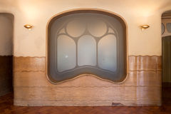 För Batllo för Antonio Gaudi husCasa detaljer inre - fönster Arkivfoto