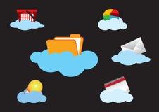 För begreppssymbol för moln som beräknande uppsättning isoleras på svart Arkivfoto