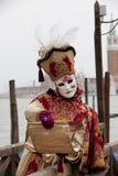 för berömd traditionell venezia venice italy för karnevalgarnering maskering Royaltyfri Bild