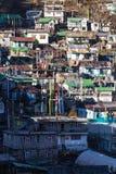 By för berg` s i morgonen med solljus på Lachen i norr Sikkim, Indien Royaltyfri Foto