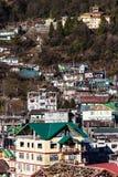 By för berg` s i morgonen med solljus på Lachen i norr Sikkim, Indien Royaltyfria Foton