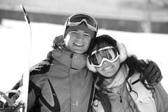 för bergsnowboarders för par lycklig dal Royaltyfria Foton