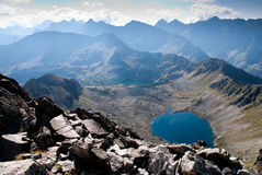 för bergtatra för fem lakes by Arkivfoto