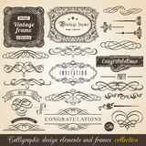 För beståndsdelgräns för vektor Calligraphic ram för hörn och inbjudansamling Typografiska beståndsdelar för garnering, tappninge Royaltyfri Fotografi