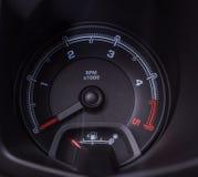 För bilhastighetsmätare för bil inre kontroll Royaltyfri Bild
