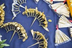 För blommahår för traditionell thai stil handgjort guld- stift Arkivbilder